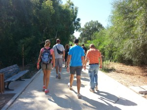 Strollers-on-Pedieos-river-banks-lighter