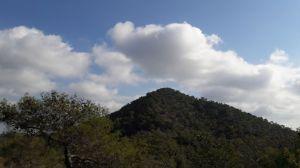 aetomoutti-hill