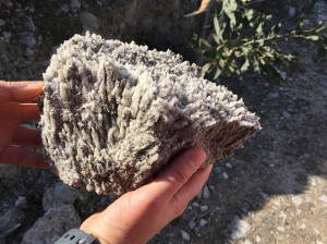 gypsum-stone-in-hand
